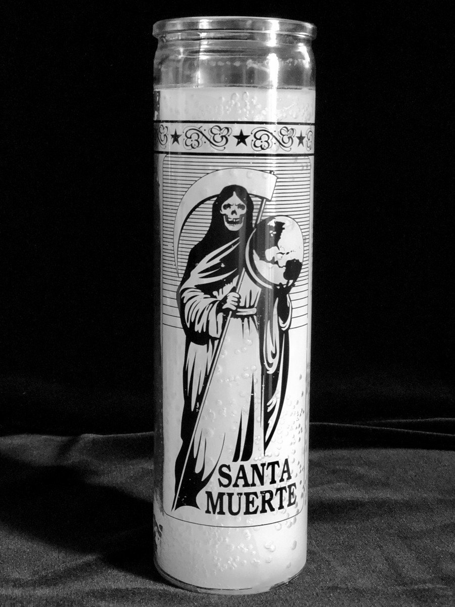 Santa Muerte 7 Day Candle for Good Fortune, Luck, Protection, and Good  Health (White)